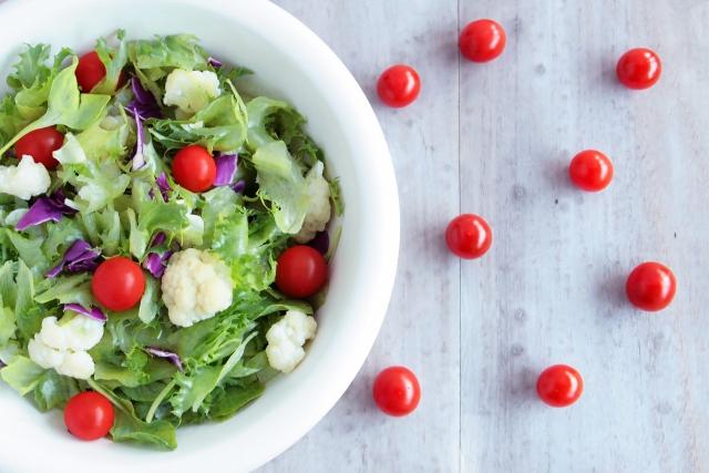 ダイエットに野菜サラダ
