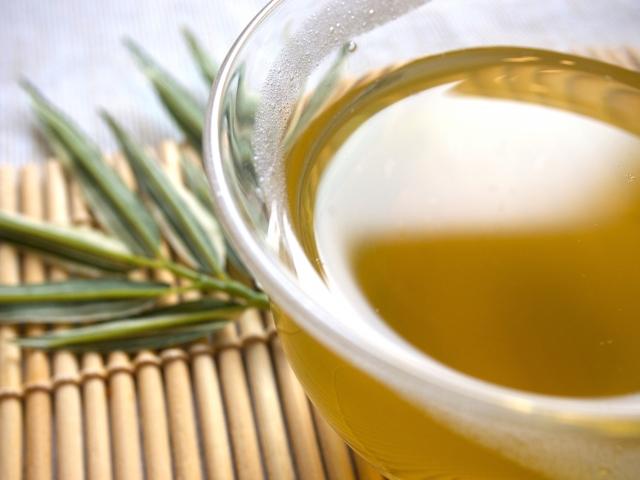 良質な油オリーブオイル